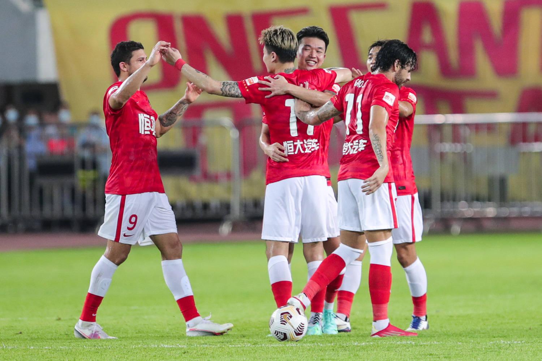中超-艾克森杨立瑜破门 广州队2-1送山东泰山首败